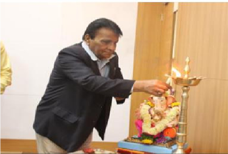 Lamp lighting by Kazi Sir - Guest lectures at S B Patil College of architecture and design